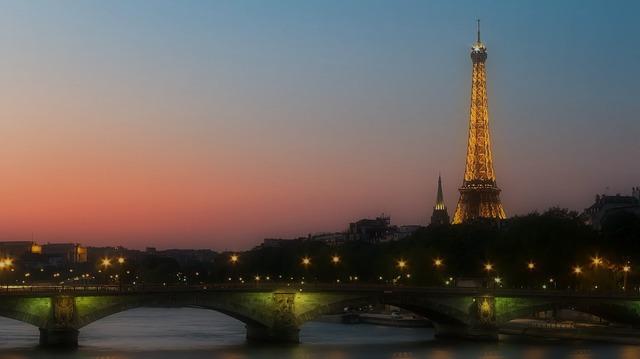 Transports parisiens : et si vous gagniez en mobilité et en flexibilité grâce aux VTC ?