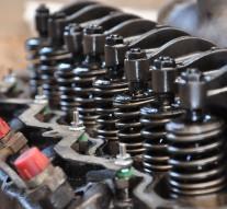 Remplacer un kit embrayage auto, comment faire ?